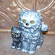 Vintage Goebel Mother Kitty Cat & Kitten Figurine