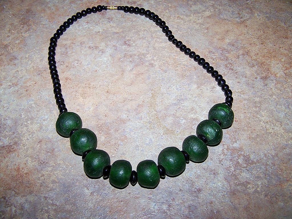 Unusual Black Glass & Green Tumbled Glass Bead Necklace