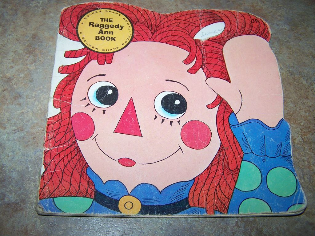 The Raggedy Ann  BOOK Vintage Golden Shape C.1976
