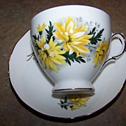 Vintage Royal Vale Tea Cup & Saucer