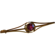 Arts & Crafts Bar Pin , 14K Yellow Gold & Rhodolite Garnet