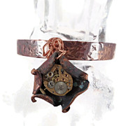 Steampunk cuff bracelet - Forged copper & Watch Movement Gears - Unisex - InVintageHeaven