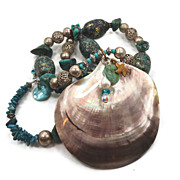 Mermaid Shell Turquoise Necklace - Big Beaded Statement Piece- Ethnic Tribal Beads - InVintage