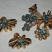 SALE Aquamarine Rhinestone Flowers and Fans Brooch Set - Vintage Jewelry at its Best