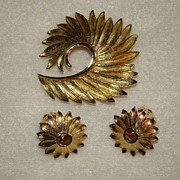 SOLD Goldtone Swirls and Flowers Brooch and Earring Set