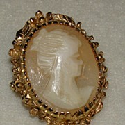 10K Carved Peach and White Cameo Brooch/Pendant - Truly Beautiful