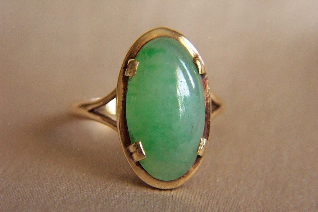 extremely ming s mings 14kt ring with an antique