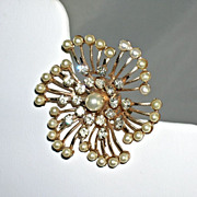 Lovely Vintage Pinwheel Faux Pearl Bright Clear Rhinestone Brooch 1950s