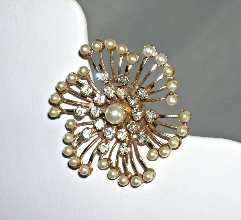 Lovely Vintage Pinwheel Faux Pearl Bright Clear Rhinestone Brooch 1950's