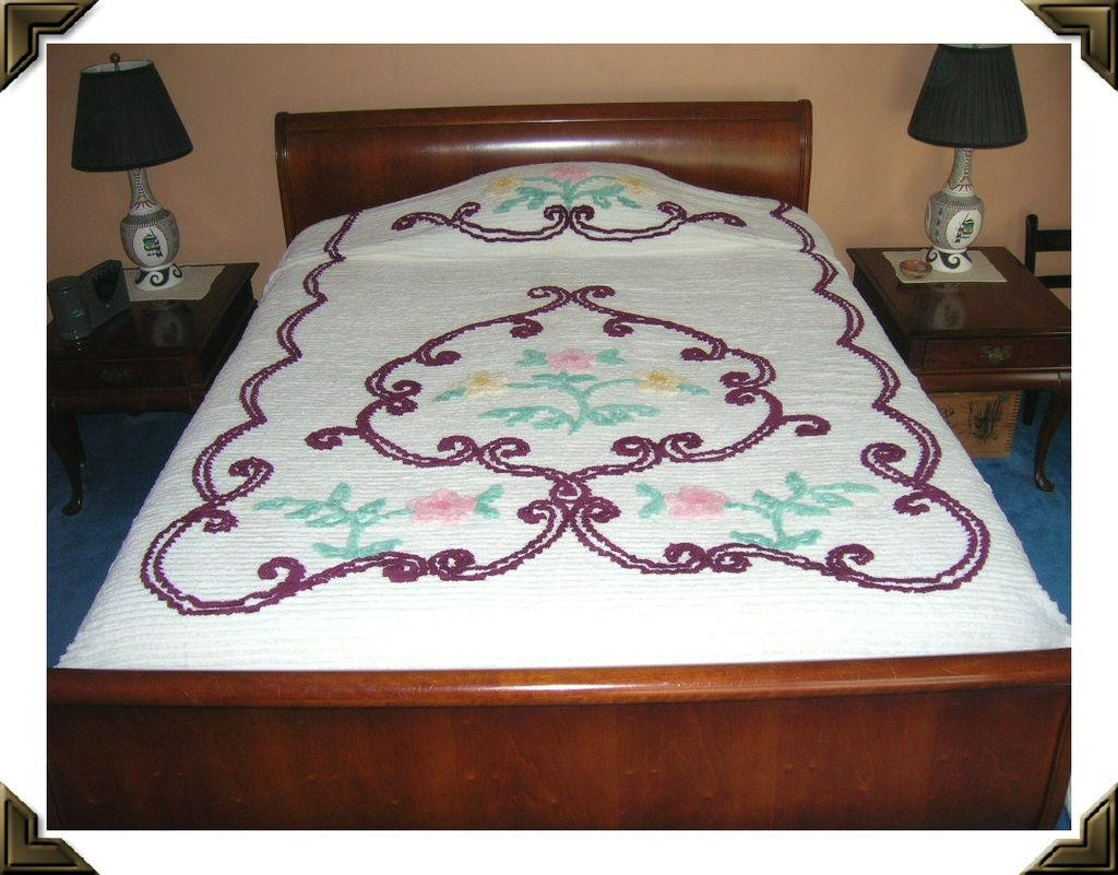 Fabulous Shabby Chic White Chenille Bedspread Flowers & Scroll Designs