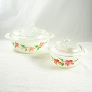 2 Vintage Gay Fad Peach Blossom Anchor Hocking Fire King Casserole Bowls Lids