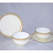 Elegant Set of 2 Coffee/Hot Chocolate Cups & Saucers Minton England