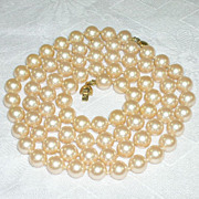 Monet Classic Glass Faux Pearl Vintage Necklace 30 Inches Long