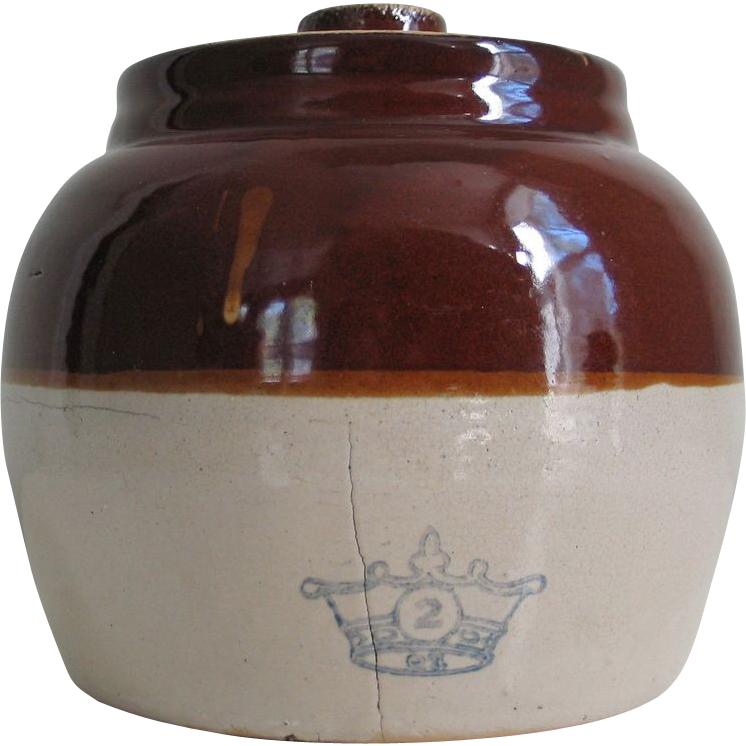 Brown Old Fashion Bean Pot