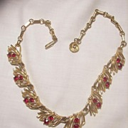 SALE Beautiful Vintage Lisner ravishing red rhinestone Necklace