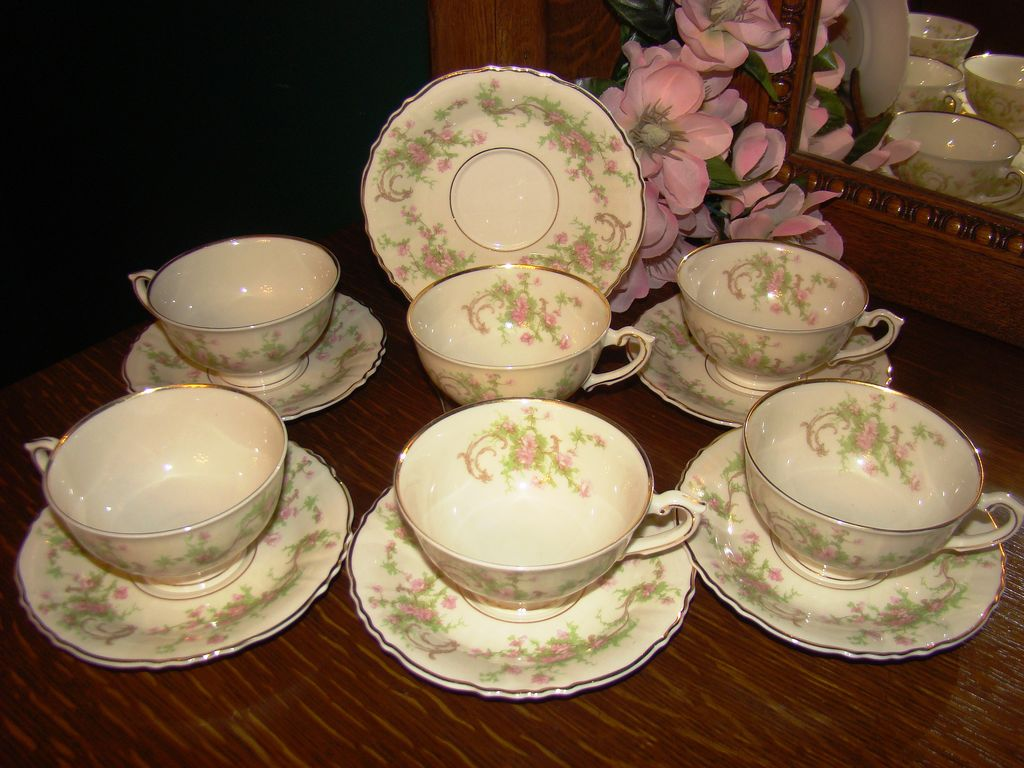 Set of 6 Syracuse China &quot;Dearborn&quot; Rare Footed Cups & Saucers