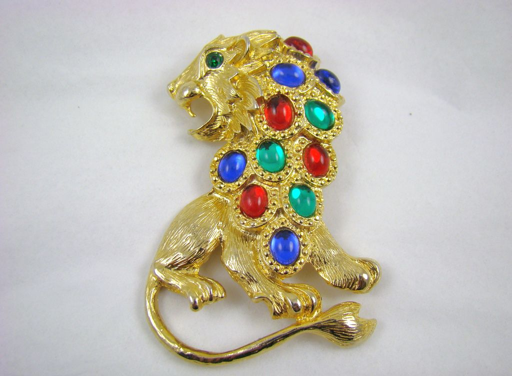 Large Gold Tone Lion Brooch with Colorful Glass Cabochons