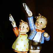 "REDUCED Goebel M. I. Hummel Large ""Auf Wiedersehen"" Figurine ~ Full Bee TMK-2 ~ 1940"