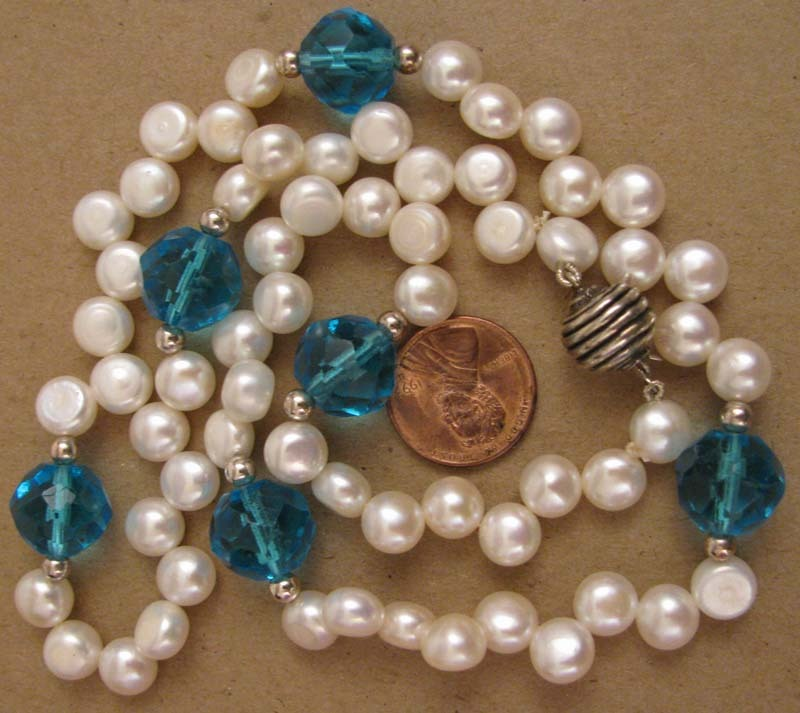 21&quot; White Fresh Water Cultured Pearl w/ Vintage Blue Cut Crystal Bead Necklace