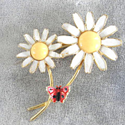 WEISS Double Daisy Pin Butterfly