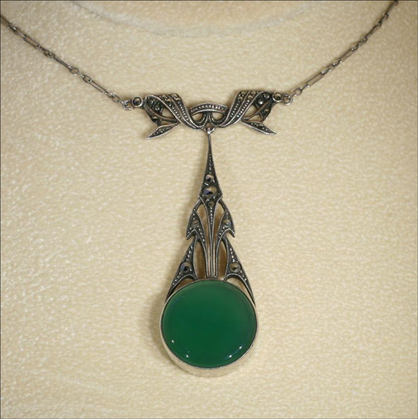 Vintage Silver Art Deco Marcasite and Chalcedony Necklace c.1930
