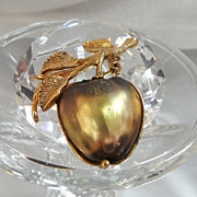 Vintage Apple Brooch. Golden Frosted Glass. Sarah Coventry.