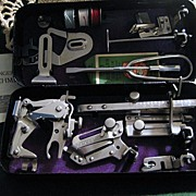 Vintage 30's Singer Sewing Attachment Set in Black Metal Crinkle-Cut Case fit 221 ...
