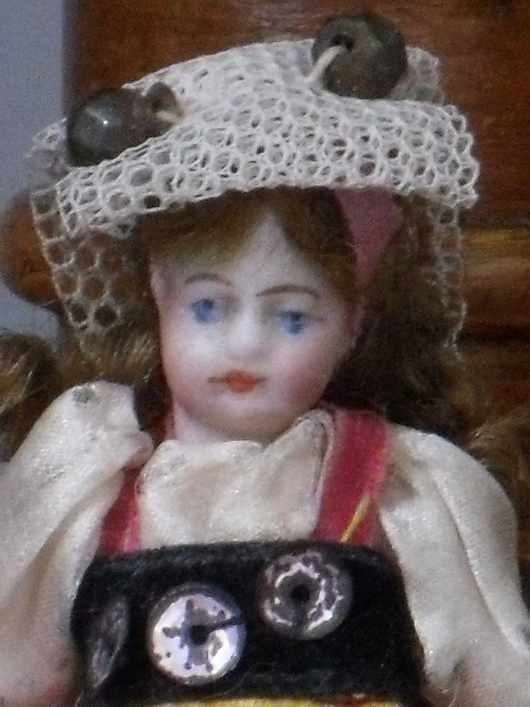 ~~~ Lovely French Tiny Mignonette with original Costume ~~~