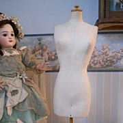 ~~~ Pretty Doll Bust from Paris ~~~