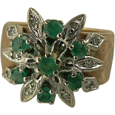 Striking Emerald & Diamond Ring, Size 7.75, 14k Gold.