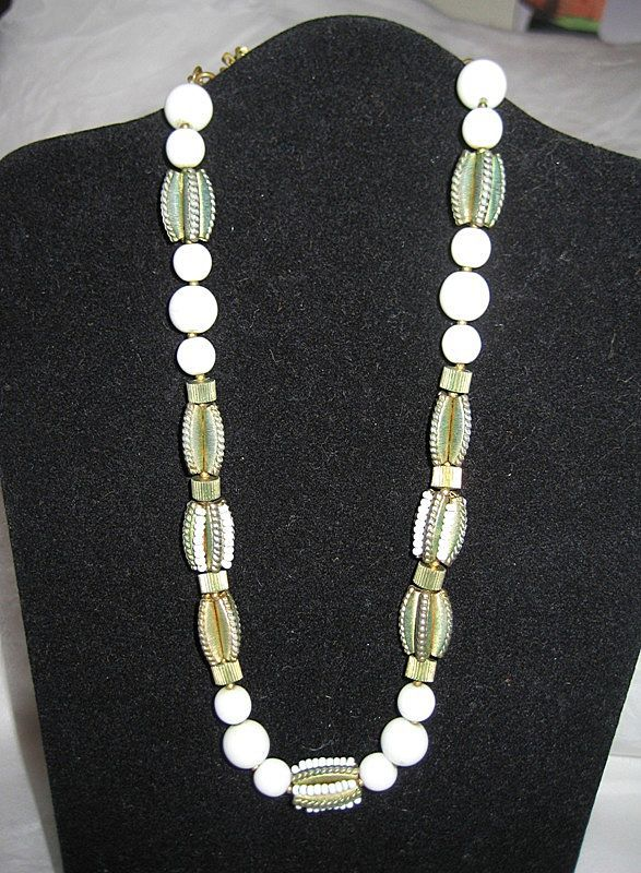Miriam Haskell Necklace pretty glass & metal bead design