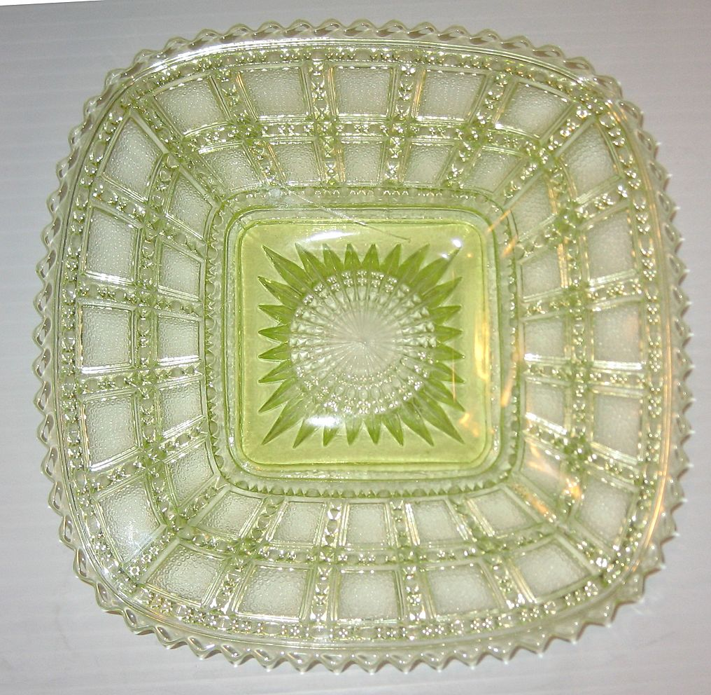 Beaded Block Canary 7-3/4&quot; Square Plates Vaseline
