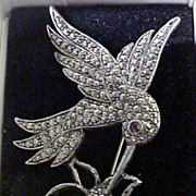 SALE 1990's Fluttering Hummingbird Pin