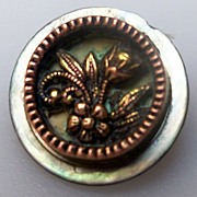 Button Small Mother of Pearl and Brass Floral