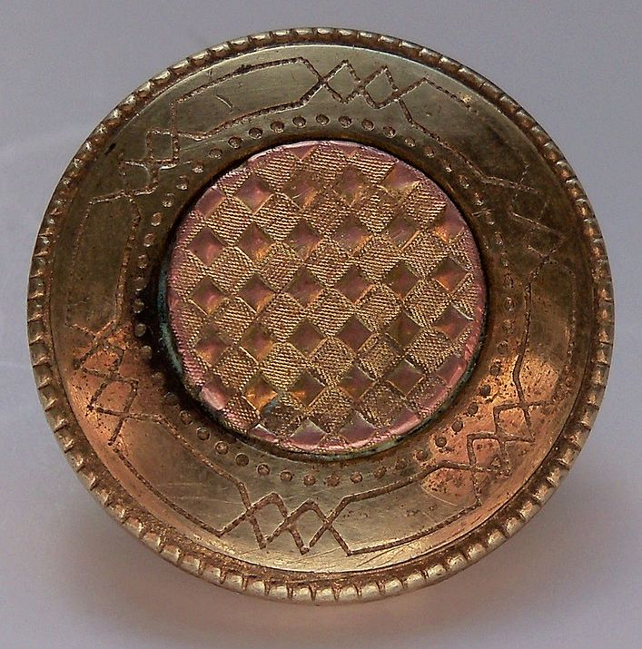 Beautiful Brass and Gilt Design Button