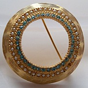 Circular Brooch with Turquoise Rhinestone and Imitation Pearls