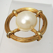Circular Gold Metal Brooch with Huge Imitation Pearl