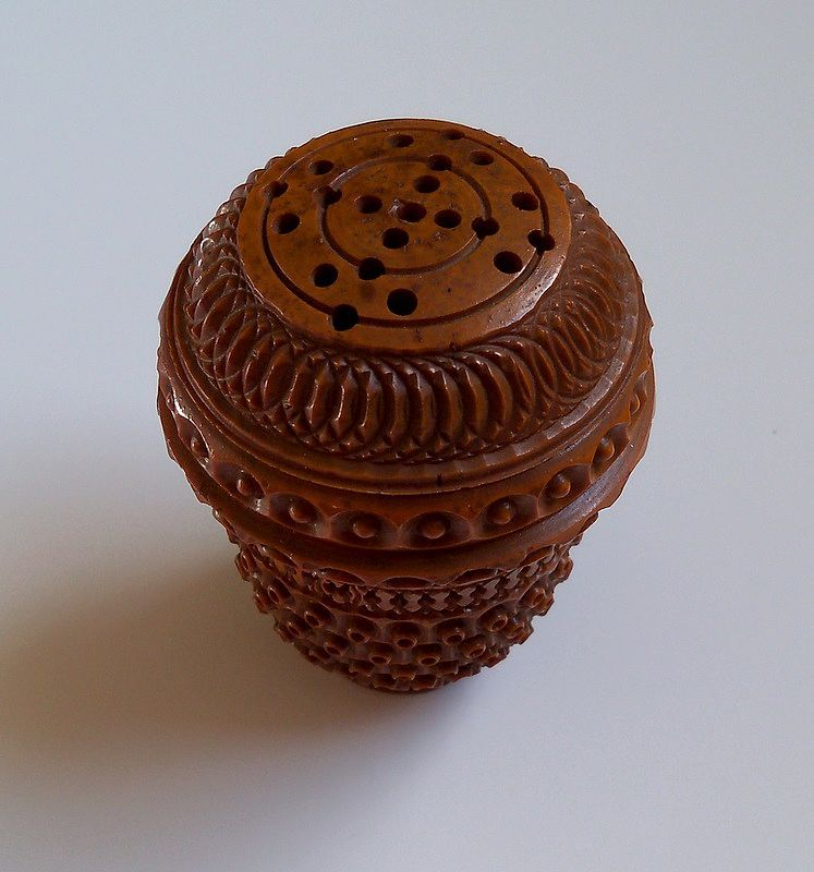 Pedestal  Medium  Brown Pierced Vegetable Ivory Thread Holder