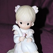 "Precious Moments Figurine ""God Is Love"""