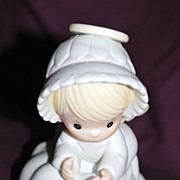 "Precious Moments Figurine ""Sending You My Love"""