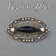 SALE PRE-EAGLE Vintage Mexican SILVER Brooch Black ONYX Filigree Hallmarked c.1940's!