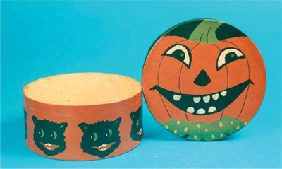 New Halloween Collectibles - A Variety of Items and Figures now Available