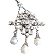 Vintage pendant necklace containing cultured pearls and multiple 1.50 ct. diamonds G-H color q