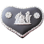 Wedgwood basalt jasparware heart shaped trinket box with elaborate paste flowers in excellent