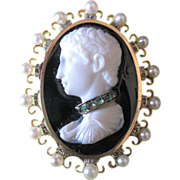 Male Cameo in 15Kyg with emeralds diamonds and pearls