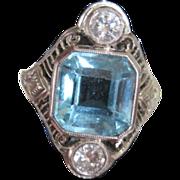 Vintage Ladies 18k white gold aquamarine and diamond ring