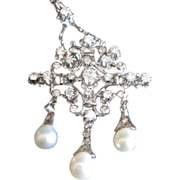 Fine Vintage Ladies Diamond and dangle Pearl necklace