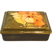 Moorcroft Coral Hibiscus Trinket or Dresser Box on Olive Background