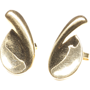 Sculptural Earrings in 14-Karat Yellow Gold by Beth Moskowitz
