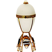 Antique French white Opaline crystal glass egg shaped Box ormolu mounts w/ Agate cabochons and